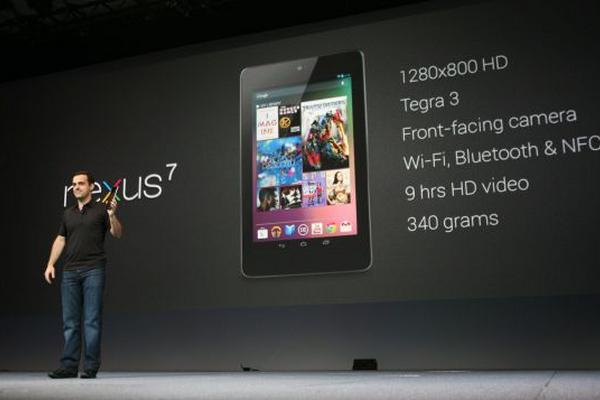 <p>Hugo Barra, responsable de Android, durante la presentación de su tableta estrella (Foto Prensa Libre: AFP). <br></p>