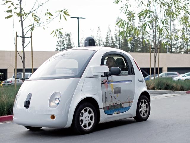 Google es una de las empresas que ha experimentado con los carros autónomos.