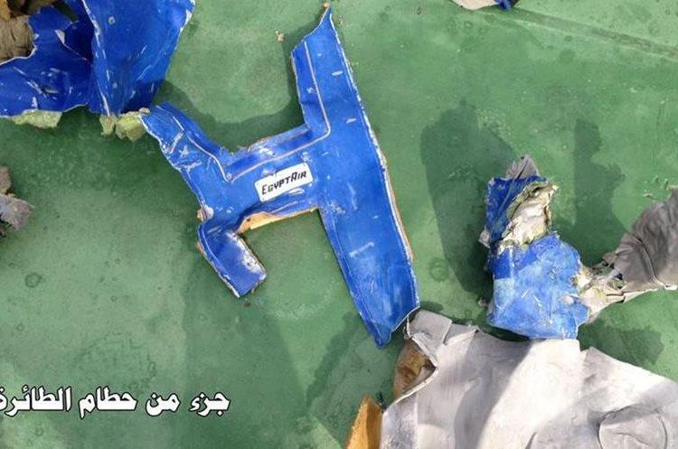 Los restos del EgyptAir siniestrado en el Mediterráneo.