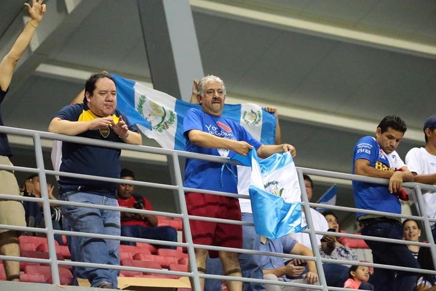 La afición guatemalteca siempre incondicional con su Selección. (Foto Prensa Libre: Fepafut)