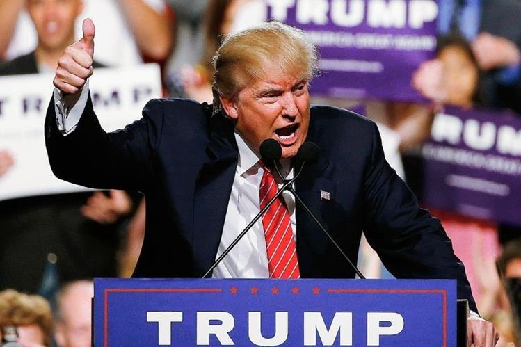 Donald Trump durante un mitin en Phoenix, Arizona.