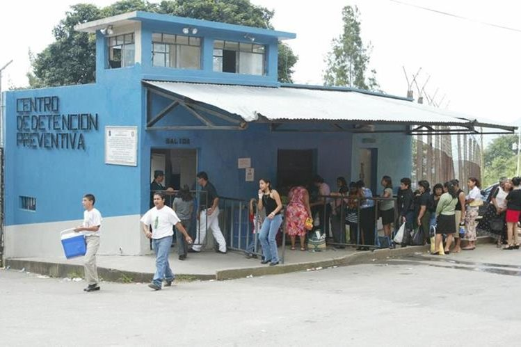 Familiares podrán visitar a los reos del sector 11 del Preventivo hasta nueva orden. (Foto Prensa Libre: Hemeroteca PL).