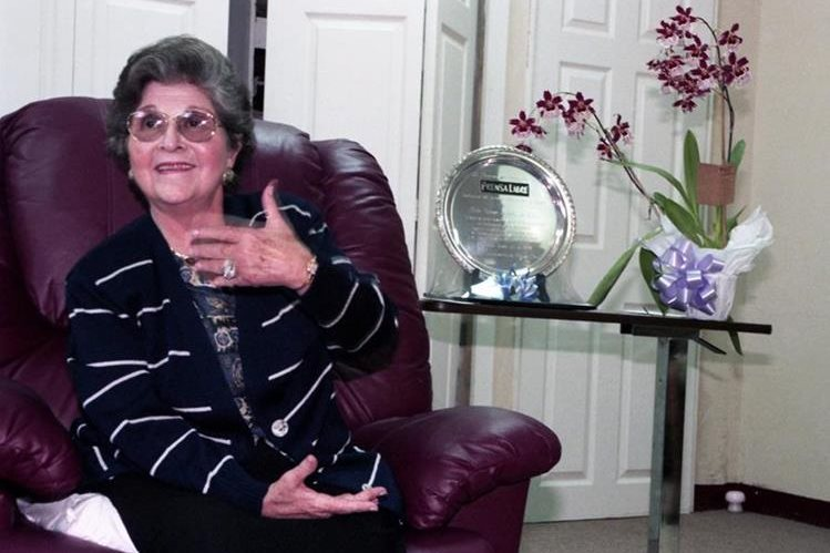 Teresa Bolaños de Zarco, presidenta del Consejo de Administración de Prensa Libre, en una entrevista en 1993. (Foto: Hemeroteca PL)