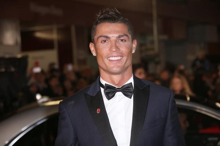 Cristiano Ronaldo se confesó en una entrevista realizada por la revista Caras. (Foto Prensa Libre: AP)