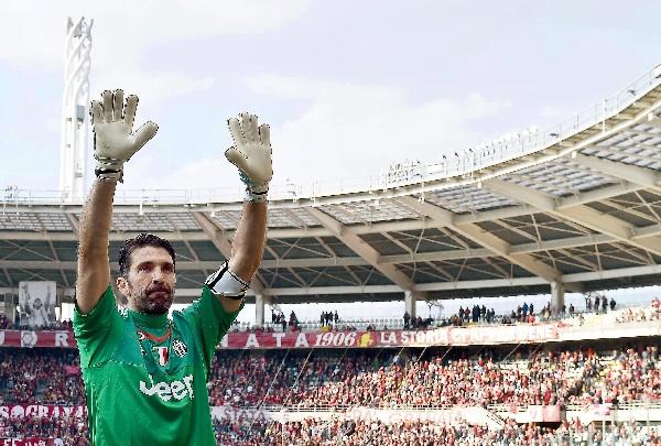 Buffon tuvo un fin de semana histórico. (Foto Prensa Libre: EFE)