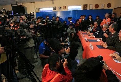 Periodistas en conferencia de Conred. (Foto Prensa Libre: Hugo Navarro)