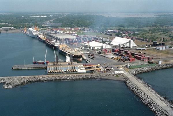 Puerto Quetzal es el principal puerto que tiene Guatemala en el océano Pacífico. (Foto Prensa Libre: Hemeroteca PL)