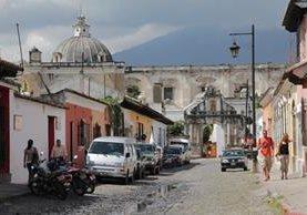 Parte del presupuesto para cuidar la Antigua se obtiene de las licencias de construcción y de los ingresos a los museos.(Foto Prensa Libre: Hemeroteca PL)