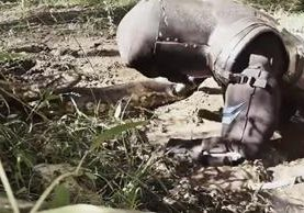 """<p>Paul Rosolie fue engullido por una Anaconda durante la transmisión del programa televisivo """"Comido en vivo"""". (Foto Prensa Libre: YouTube)</p>"""