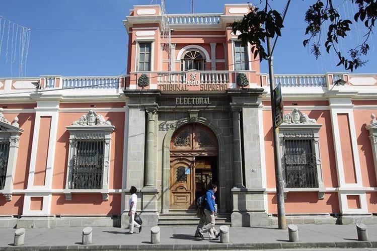 El Tribunal Supremo Electoral confirmó la salida de nueve trabajadores de ese organismo. (Foto Prensa Libre: Hemeroteca PL)