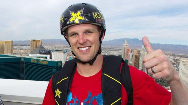 Roner murió durante una exhibición de paracaidismo. (Foto Prensa Libre: Cortesía Infobae, América).