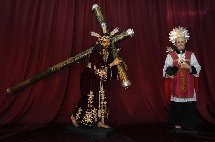 Jesús de las Tres Potencias y San Felipe Neri fueron entregados a la iglesia de La Parroquia Vieja la noche del miércoles 29 de marzo.