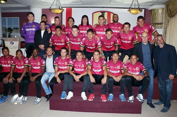 El equipo de Rosario FC intentará en alcanzar el ascenso a la Liga Nacional. En el domingo debutará en casa. (Foto Prensa Libre: Carlos Ventura)
