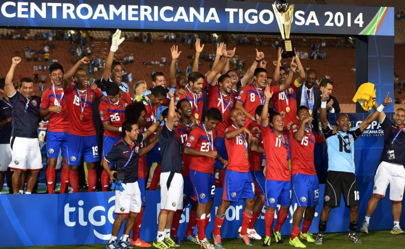 Costa Rica se coronó campeón de la Copa Uncaf que se disputó en Estados Unidos en 2014. (Foto Prensa Libre: Hemeroteca)