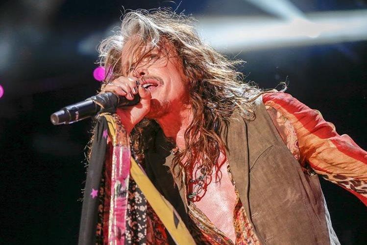 Steven Tyler es un astro de la música y cuenta con miles de seguidores junto a su banda Aerosmith. (Foto Prensa Libre: AP)