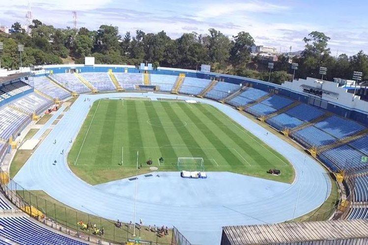 El Doroteo Guamuch Flores acogió en el clásico 295 a cinco mil 381 personas. (Foto Prensa Libre: William Santos)