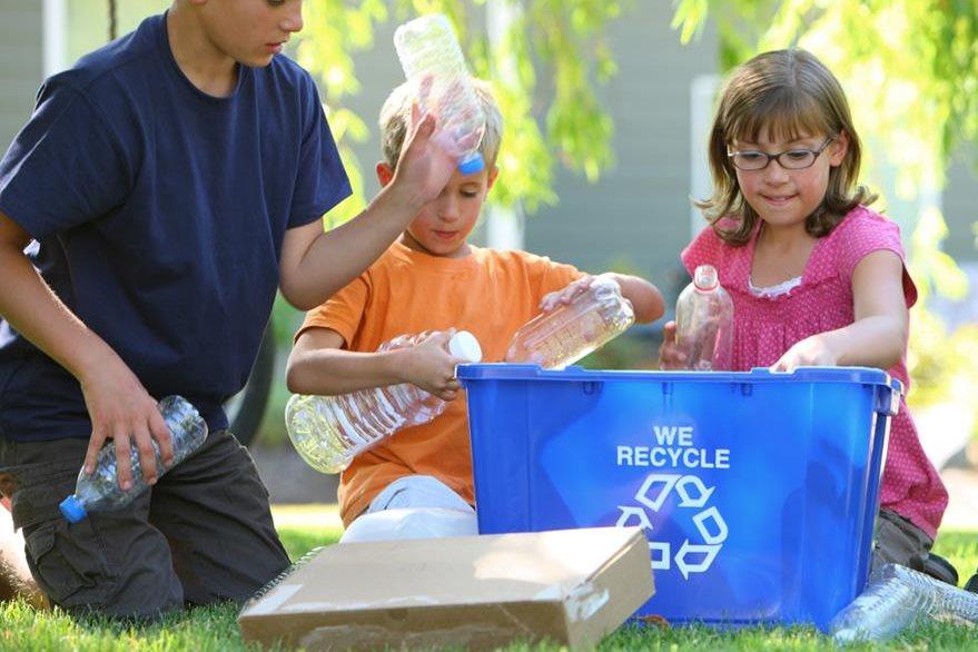 Separar la basura es el primer paso para aprender a reciclar y ayudar al planeta. (Foto Prensa Libre: Hemeroteca PL).