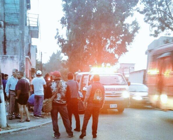 Una mujer de 75 años fue baleada en la colonia Primero de Julio, zona 5 de Mixco. (Foto Prensa Libre: CBV)