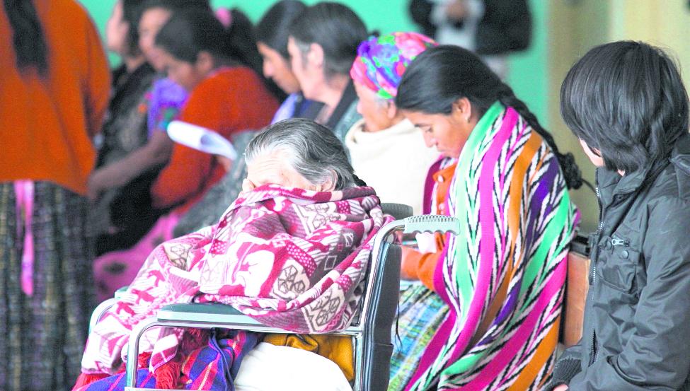 Los niños también son víctimas de enfermedades respiratorios en el país. (Foto Prensa Libre: Hemeroteca PL)
