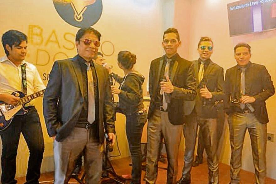 El grupo Son Latino realizó la grabación de su primer videoclip, y Müller fue el encargado de la producción. (Foto Prensa Libre: Ana Lucía Ola)