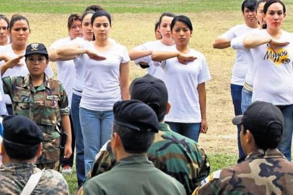 """<p>Jóvenes pueden prestar servicio cívico en carteras de Gobierno. (Foto Prensa Libre: Archivo)<br _mce_bogus=""""1""""></p>"""