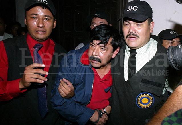 Abadío Molina fue capturado oculto en una casa de la zona 17 el 14 de julio de 2004. (Foto: Hemeroteca PL)