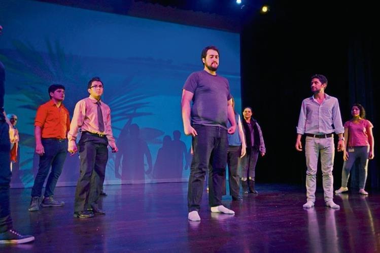 Imagen de un ensayo la obra. (Foto Prensa Libre: Ángel Elías).