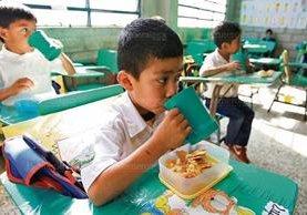 La iniciativa de ley de alimentación escolar podría quedar aprobada hoy en el Congreso. (Foto Prensa Libre: Hemeroteca PL)