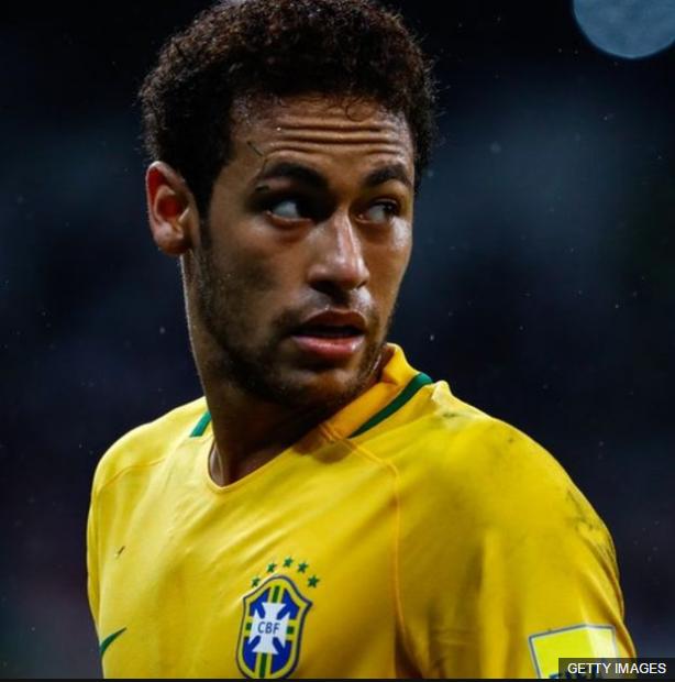 Neymar está siendo el jugador que todos esperaban de él, el heredero de los Ronaldinho, Ronaldo, Rivaldo y compañía.