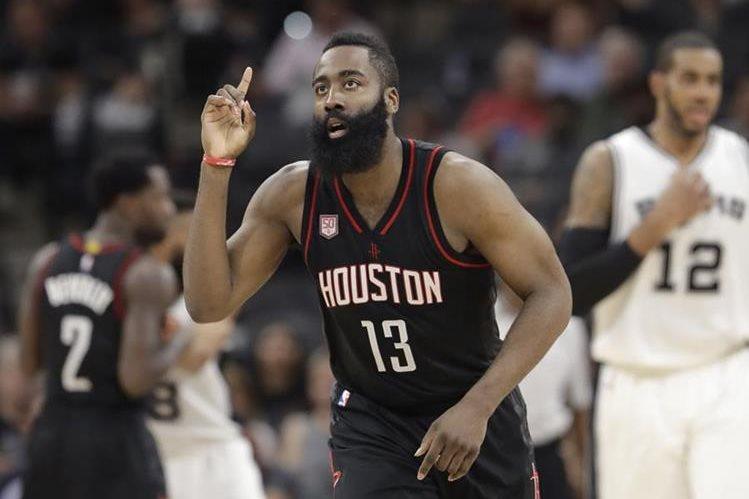 Harden queda vinculado a los Rockets hasta 2022. (Foto Prensa Libre: Hemeroteca)