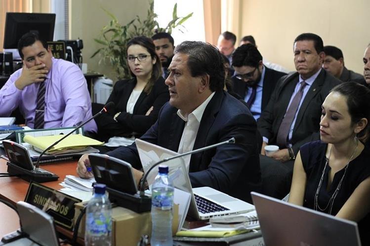 Gustavo Alejos también permanece internado por supuestos problemas de salud. (Foto Prensa Libre: Hemeroteca PL)