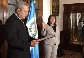 Cándida Estela Rabanales de Granados es juramentada secretaria de bienestar social. (Foto Prensa Libre: Gobierno).