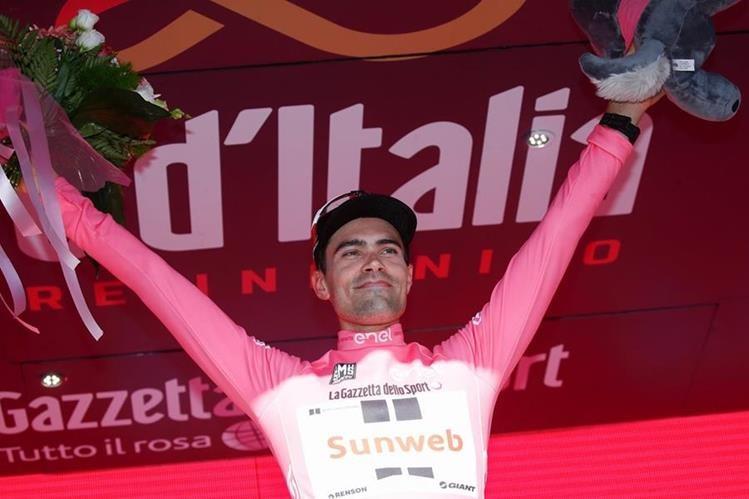 El ciclista holandés Tom Dumoulin se impuso este martes en la 10 etapa del Giro de Italia y es el nuevo líder. (Foto Prensa Libre: AFP)
