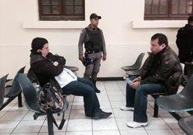 Gregorio Ramírez Coria y Francisco Inestroza García, presuntos narcotraficantes, fueron capturados en la zona 10 de Guatemala. (Foto Prensa Libre: Sara Melini)