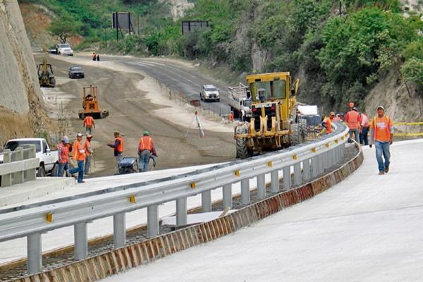 La falta de recursos impacta en el avance de proyectos de infraestructura. (Foto Prensa Libre: Hemeroteca PL).