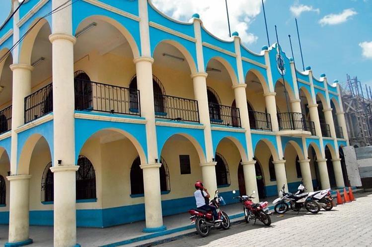 Municipalidad de El Tejar, Chimaltenango, donde Boris Sulecio es candidato a concejal titular dos y síndico titular dos, en diferentes partidos.