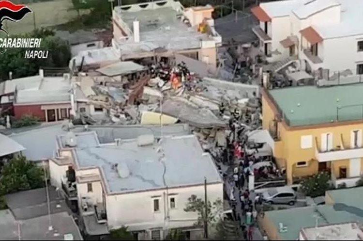 Daños ocasionados tras el terremoto en la isla Ischia. (Foto Prensa Libre: EFE)
