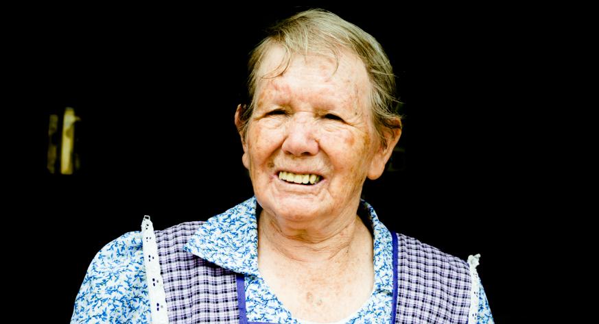 Zoila Reyna Urízar Soto nació el 14 de marzo de 1931. Hoy, a sus 86 años, sigue trabajando desde las 7 hasta las 22 horas. Foto Prensa Libre: Roberto Villalobos Viato.