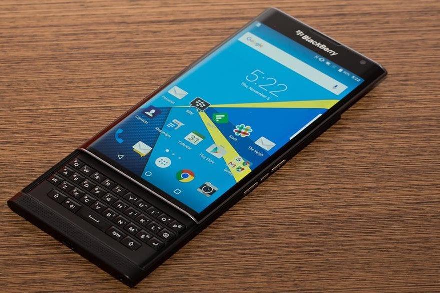 BlackBerry dejará de fabricar celulares por la caída de sus ventas