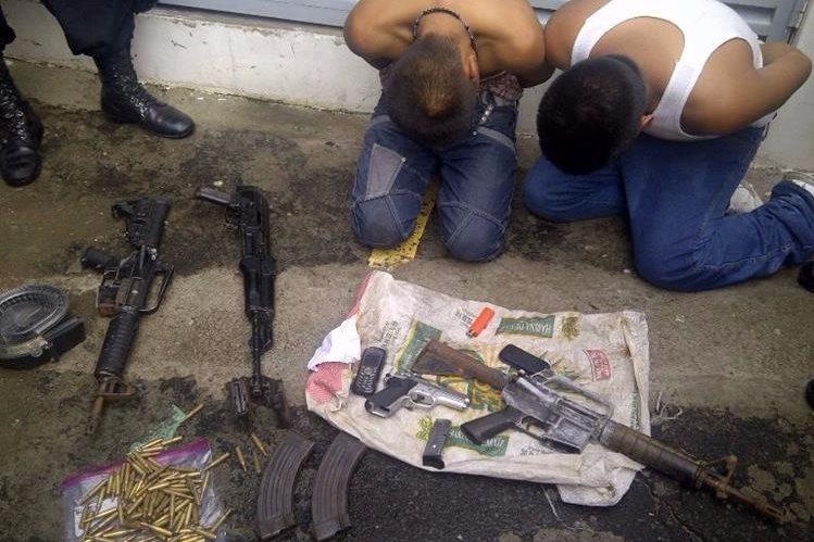 Dos menores son los presuntos resposables de cometer un ataque armado donde murió un piloto. (Foto Presa Libre: PNC)