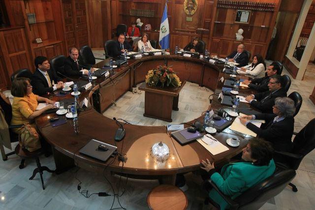Sin avances para elegir al presidente de la Corte Suprema de Justicia, luego que finalizaran la quinta y sexta ronda de votación. (Foto Prensa Libre: Esbin García)