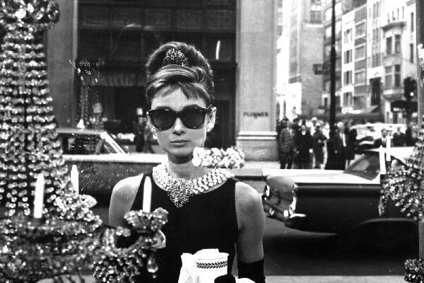 escena de  la cinta Breakfast at Tiffany's.