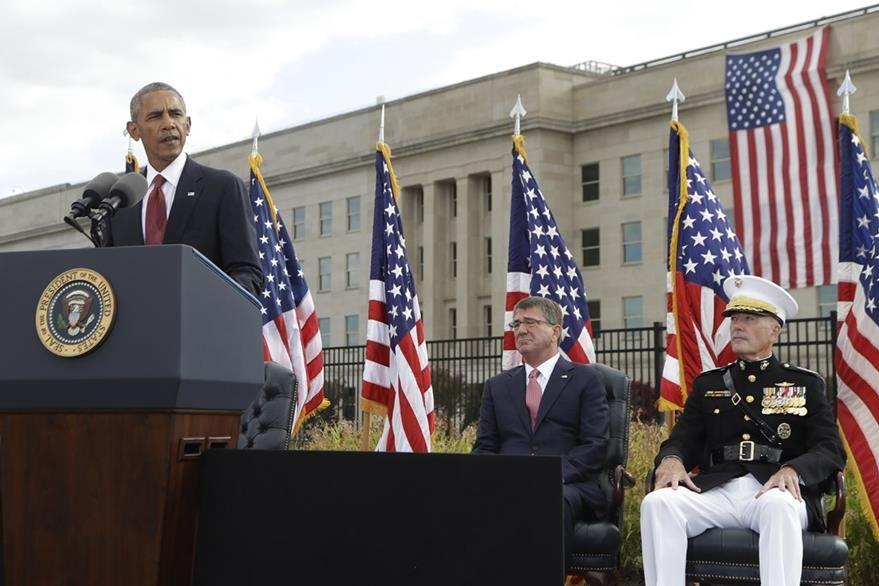 Presidente Barack Obama da discurso frente a la fachada del Pentágono, en Washington DC. (AP)