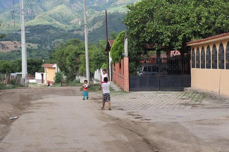 El barrio El Jurgallón, zona 5 de Chiquimula, es uno de los más pobres del municipio. (Foto Prensa Libre: Mario Morales)