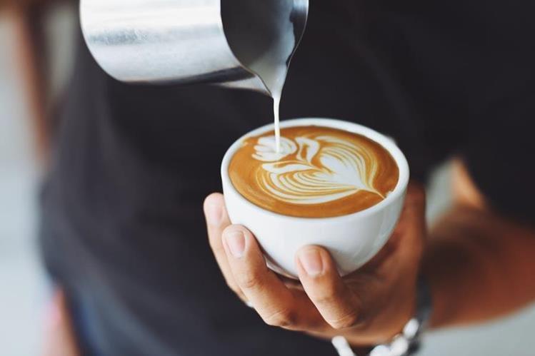 El café es una de las bebidas que más seguidores ha obtenido en los últimos años (Foto Prensa Libre: servicios).