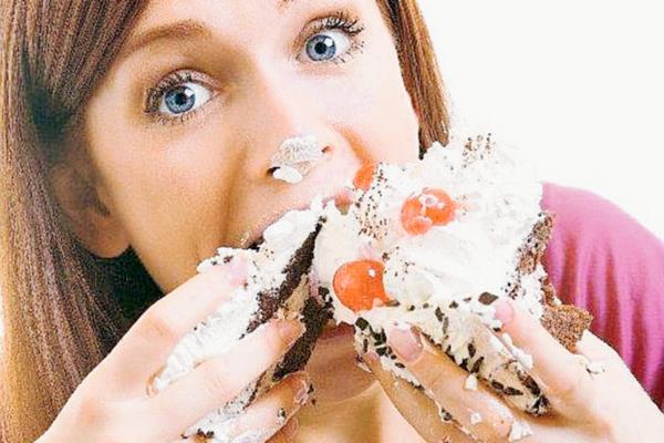 Cuando tienen hambre, muchas personas prefieren los alimentos con más calorías. (Foto Prensa Libre, tomada de cde.peru.com)