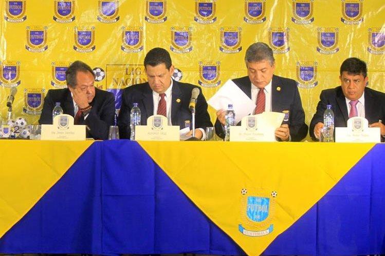 La Asamblea de la Liga Nacional resolvió algunos cambios en el reglamento. (Foto Prensa Libre: Carlos Vicente)