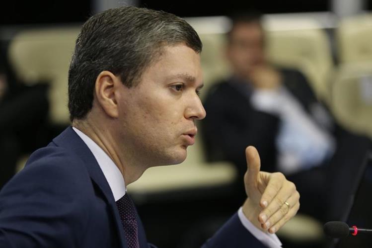 El ministro de Transparencia de Brasil, Fabiano Silveira, renunció el lunes. (Foto Prensa Libre: EFE).