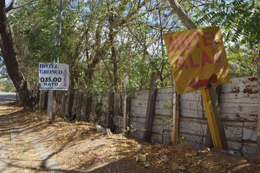 Los autohoteles han proliferado en la zona. (Foto Prensa Libre: Mario Morales)