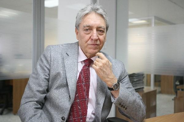 Jaime Francisco, cantautor nacional.